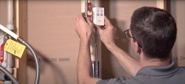 Radon alarm audibly notify when radon system is not working