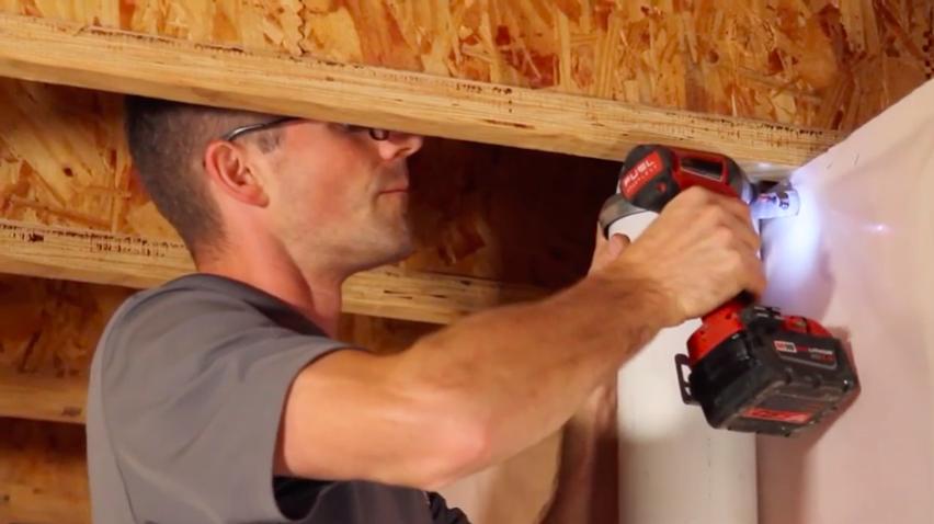 Radon mitigation vent pipe straps